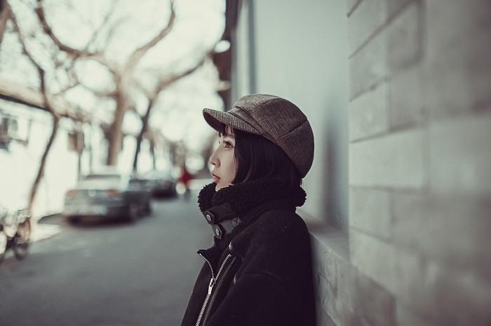 woman-670130_1280