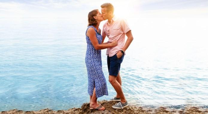 guy kissing a girl