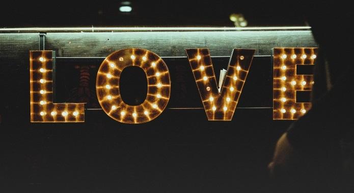 150+ [BEST] Romantic Love Status Quotes & Messages (Apr  2019)