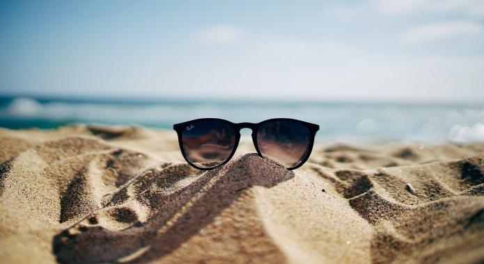 beach and sunglasses desktop