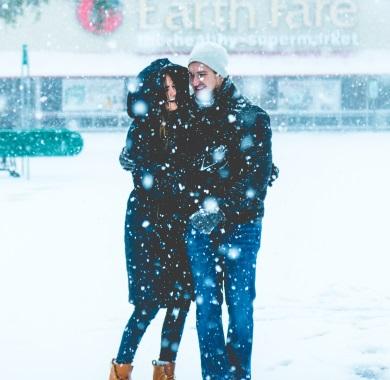winter couple mobile